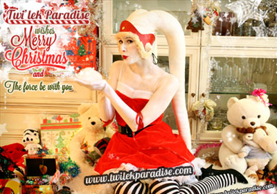 White Female Santa Twi'lek