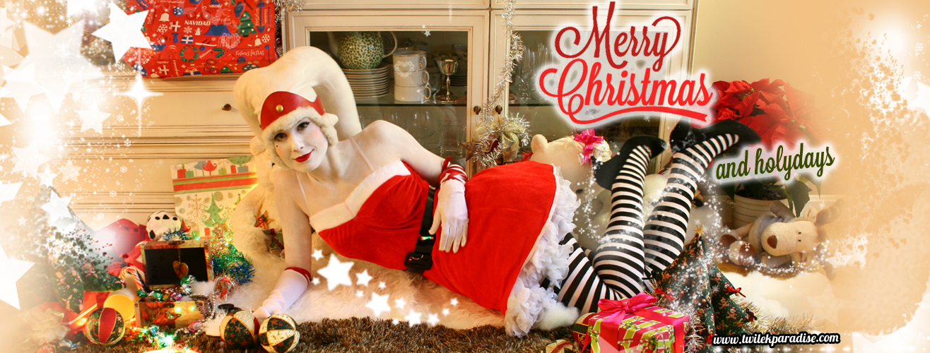White-latex-lekku-female-santa-twilek1
