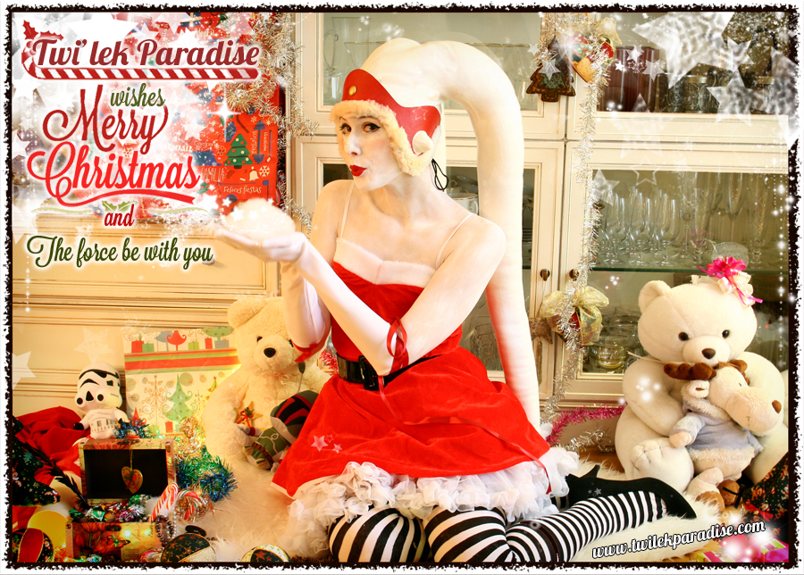 White-latex-lekku-female-santa-twilek2
