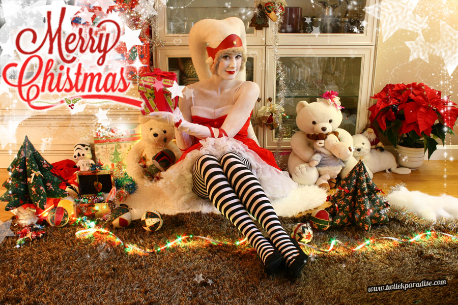 White-latex-lekku-female-santa-twilek4